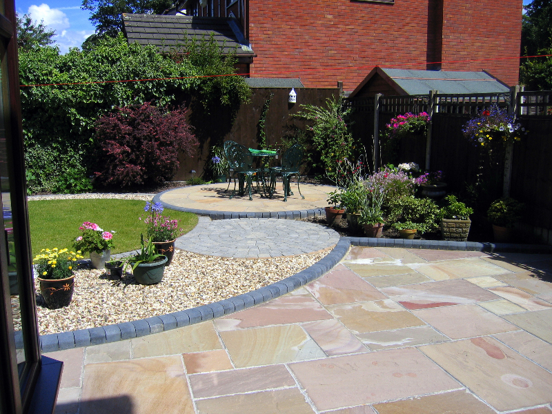 Patios brockstone landscape construction for Patio garden ideas designs